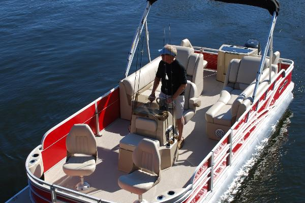 SS Defender - 23' Fish/Ski Pontoon