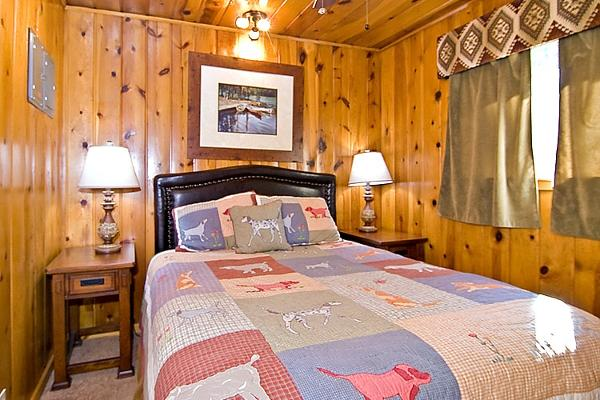Juniper Cabin Bedroom 1