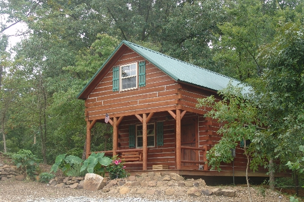Sassafras Ridge Log Cabin - Sleep 6-8 people